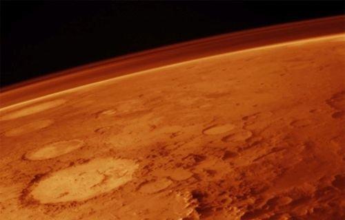 Mars'ta dev bir delik var ve bilim adamları nedenini bulamıyor ,Son Dakika