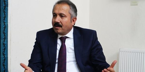 Ahmet Köseoğlu yazdı. Kaşgarlı Mahmut'tan Ankaralı Mehmet'e